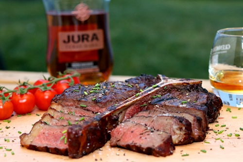 Porterhouse-Steak von der Whiskyplanke