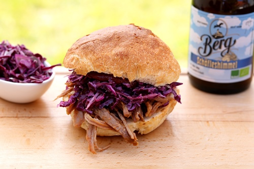 Pulled Pork im Bier-Sud aus dem Dutch Oven