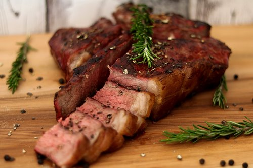 Porterhouse-Steak aus Whisky-Rauch